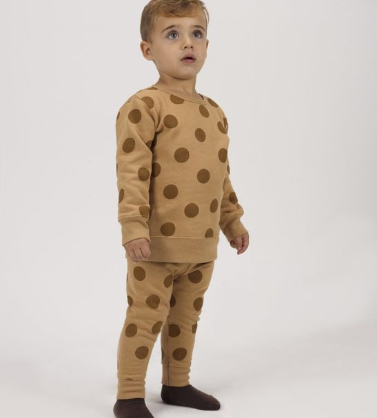 Boy Wearing Brown Maxi Polka Dots Sweatshirt in Organic fleece by Huggee Purewear