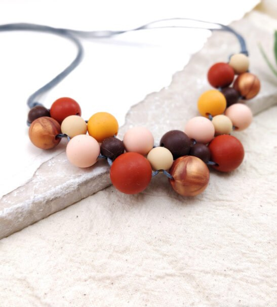 BABY FRIENDLY SILICONE NECKLACE – BURGUNDY PEACH ROSE GOLD   NEW MUM GIFT   GEOMETRIC NECKLACE by Kodes at Nurture Collective