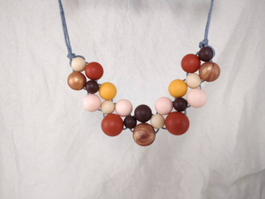 Baby Friendly Silicone Necklace - Burgundy Peach Rose Gold   New Mum Gift   Geometric Necklace by Kodes at Nurture Collective