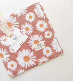 Hello Little One Baby & Kids - 4 Piece Muslin baby Blanket Set in daisy print at Nurture Collective
